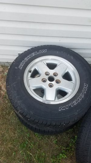 2002 Jeep liberty tires and rims +1 spare for Sale in Chesapeake, VA