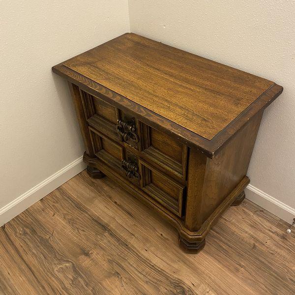 Solid oak Nightstand