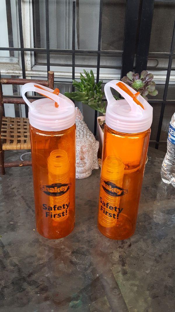 Sport water/shake bottles