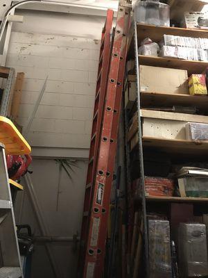 Louisville 24' Fiberglass Extension Ladder for Sale in Orlando, FL