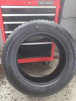 Slightly Used Sumitomo Encounter HT 275/55R20 Tire for Sale in Springfield,  IL