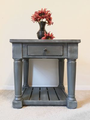 End Table/ Side Table/ Nightstand for Sale in Waynesville, MO