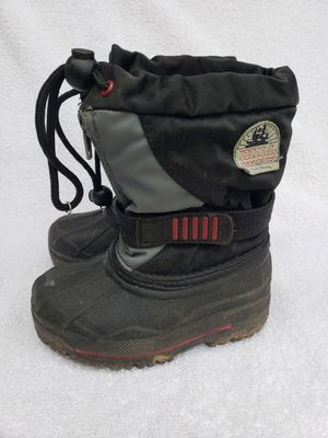 Snow boots kids size 6 for Sale in Federal Way, WA