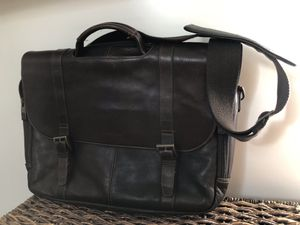 Samsonite Leather Messenger bag for Sale in Brooklyn, NY