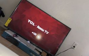"SMART TV TCL ROKU UHD 4KHDR ROKU TV 43"" for Sale in Pembroke Park, FL"