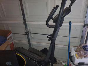 Gold's Gym Stride Trainer 350i Elliptical for Sale in Riverdale, GA