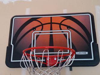 Basketball Hoop & Backboard for Sale in Beavercreek,  OR