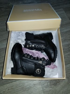 MK 6c Girl Boots for Sale in Hillsboro, OR