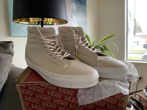 Vans Whisper Pink/Gold New Athletic Shoes for Sale in Seattle, WA