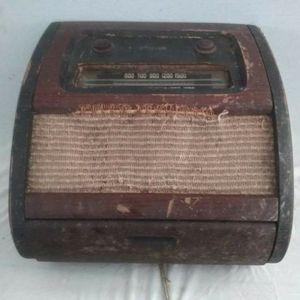 Rare Vintage 1946 Philco The Bing Radio &d Record Player Model 10664B for Sale in Houston, TX