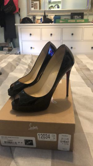 Authentic Christian Louboutin Pumps for Sale in Miami, FL
