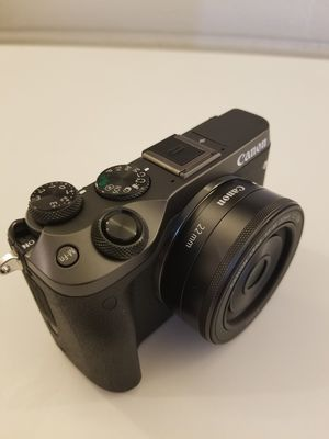 Canon M6 with Lenses for Sale in Phoenix, AZ