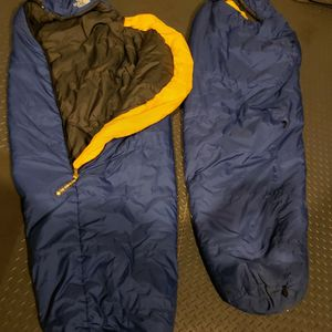 2 Identical Kids NORTH FACE sleeping Bags for Sale in Bothell, WA