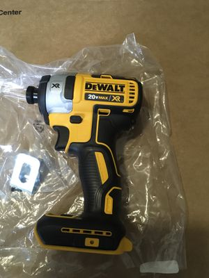 Dewalt 20volt max xr lithium ion brushless impact drill (tool only) for Sale in Pembroke Pines, FL