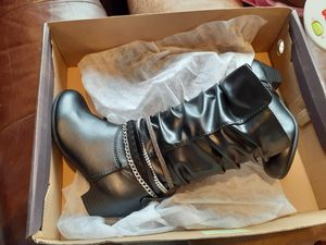 Girls boots brand new size 13 for Sale in Tucson, AZ
