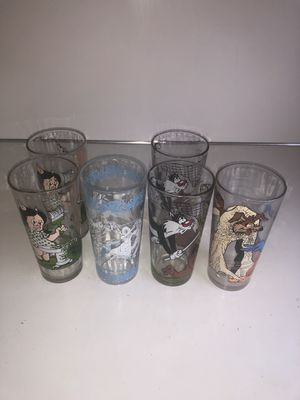 6 Looney toon collector glasses. for Sale in Detroit, MI