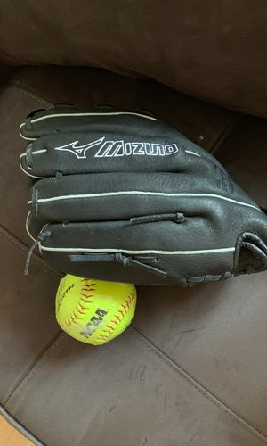 New softball glove and ball for Sale in Chicago, IL