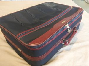 Travel Luggage 21x26x8 (55 linear) used for Sale in Riverside, CA