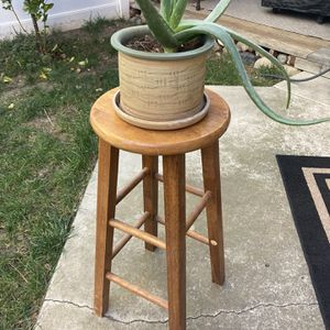 Wood Barstool Plant Stand for Sale in Trabuco Canyon, CA