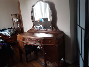 Beautiful antique bed ,clean and inexpensive , sofa ,chairs few small things , mirror, for Sale for sale  Atlanta, GA