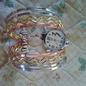 Bracelet watches for Sale in Prospect, VA