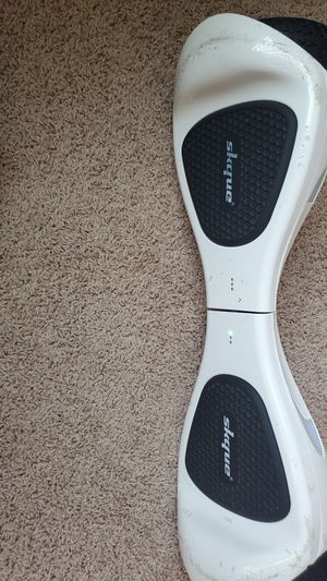 Used white skque self balancing hoverboard for Sale in Beaverton, OR