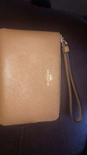 Coach small wristlet for Sale in Portland, OR