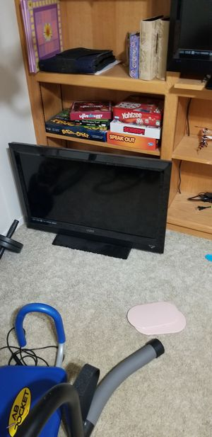 2 32 inch TVs for Sale in Oroville, CA