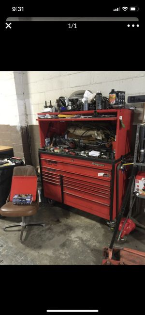 Snap on tool box W/hutch** 54 inch wide for Sale in Lakewood, OH