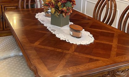 Dining Room Set With Table 6 Chairs & Serving Credenza for Sale in O'Fallon,  MO