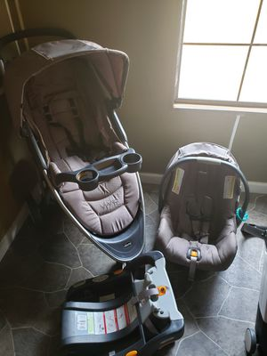 Stroller car seat and base for Sale in Norman Park, GA