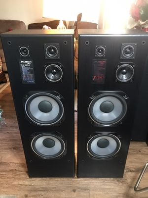 Tall Standing Onkoy Fusion AV S- 85 Two Speaker's In very mint condition 150 w power handling each Speaker selling it for the beast offer Pickup On for Sale in Los Angeles, CA