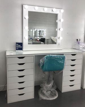 Complete Makeup Vanity Mirror Set! for Sale in Las Vegas, NV