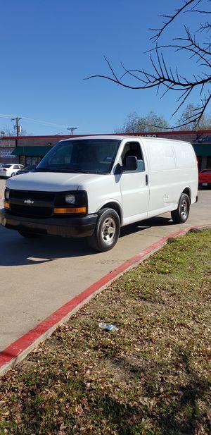 2005 Chevrolet Express cargo van v6 4.3L for Sale in Arlington, TX