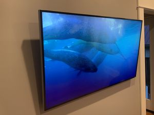 "Vizio M55-C2 55"" 4K ultra HD Smart TV and Wall Mount for Sale in Seattle, WA"