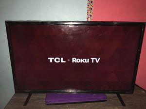 Roku smart tv 39 inch for Sale in Buffalo, NY