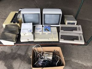Huge Commodore 64 128 lot gaming computer vintage for Sale in Cleveland, OH