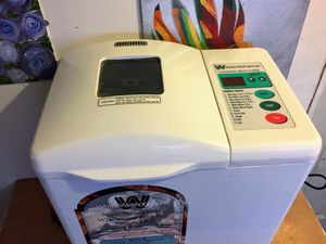 White Westinghouse automatic bread maker Wtr-7000, for Sale in Ridgecrest, CA