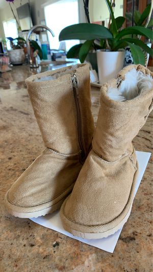 BABY UGGIES- Size 8 for Sale in Torrance, CA