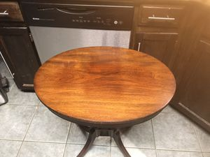 Vintage imperial Grand Rapids side table for Sale in Fort Belvoir, VA