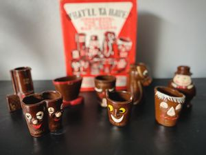 VINTAGE (1940s, maybe 50s) BARWARE COLLECTIBLE SHOT GLASS BOXED SET for Sale in Auburn, WA