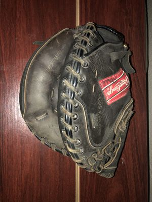 Rawlings catchers mit/Glove for Sale in Banning, CA