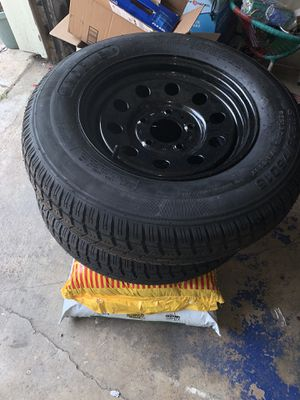 2 new trailer tires ST205/75/15 lug pattern 5x5 for Sale in Houston, TX