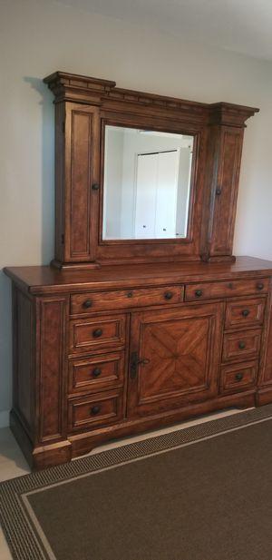 Elegant dresser for Sale in Phoenix, AZ
