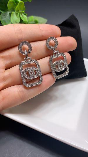 Acrylic Earrings For Women Statement Vintage Geometric Dangle Drop Earrings, Silver Color for Sale in Los Angeles, CA