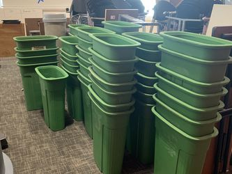 FREE Garbage/recycle Bins for Sale in Portland,  OR