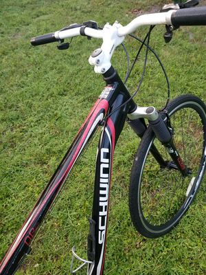 """A NICE SCHWINN BIKE TIRES SIZE 700 C OR 27"""" INCHES RIDES GREAT for Sale in Delray Beach, FL"""