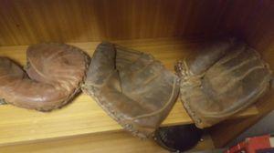 Antique baseball gloves 1 catchers mitt 2 Fielder Mets for Sale in Springfield, VA