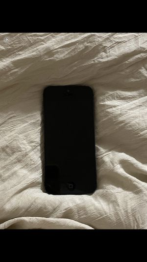 I phone 5 doesn't work for Sale in Roselle, IL