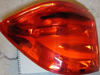 W166 Mb Benz Lhs Quarter Led Tail Light for Sale in Woodridge,  IL